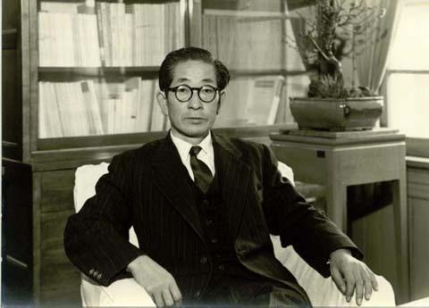 1958年(昭和33年)田中晃学長
